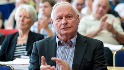 """""""Covidioten"""": Oskar Lafontaine übt scharfe Kritik an Impfhersteller Pfizer"""