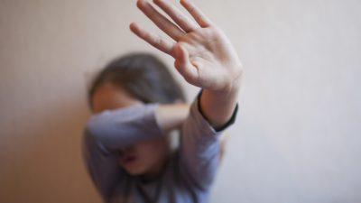 Herabgestuft: Deutschland erfüllt nicht vollständig die Minimalstandards zur Beseitigung von Menschenhandel