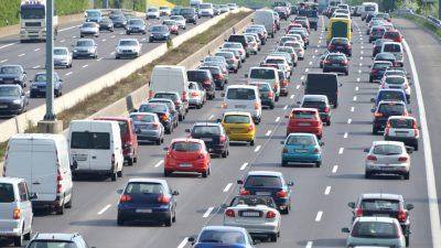ADAC erwartet am kommenden Wochenende volle Autobahnen vor allem im Süden
