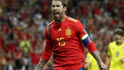 Spanien gewinnt Topspiel – Österreich dreht Rückstand
