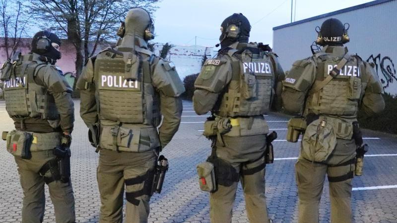 Globale Aktion: 800 Razzien weltweit – 70 Festnahmen in Deutschland gegen organisierte Kriminalität