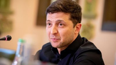 Ukrainischer Präsident Selenskyj positiv auf SARS-CoV-2 getestet