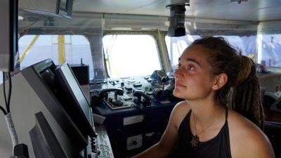 """""""Sea-Watch 3"""" legt im Hafen von Lampedusa an – Kapitänin festgenommen"""