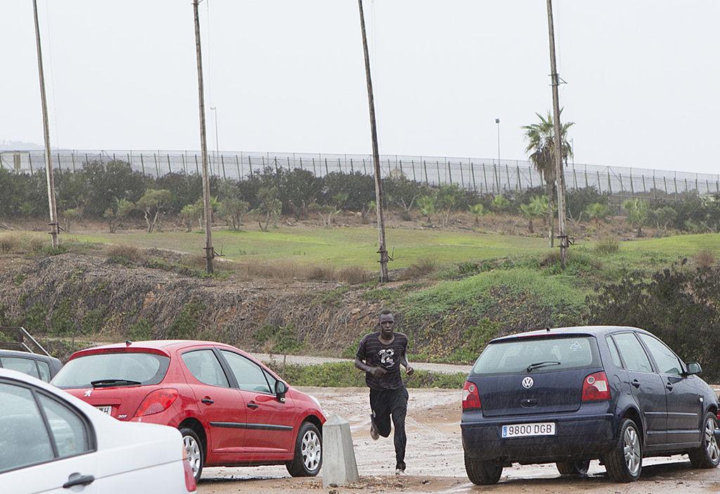 Rund 50 Migranten stürmen in spanische Nordafrika-Exklave