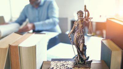 """Kritische Richter und Staatsanwälte loben Weimarer Entscheidung: """"Nicht nur ein Paukenschlag in der Sache"""""""