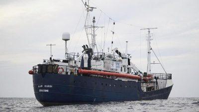 """""""Alan Kurdi"""" erreicht mit 125 Migranten Hafen auf Sardinien"""