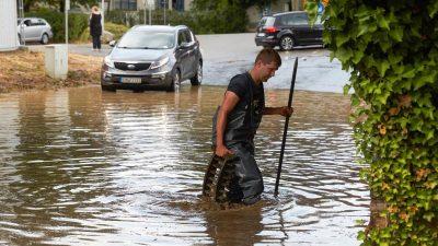 """""""Da kommt noch mehr"""": Unwetter ziehen über Teile Deutschlands – Tornado bei Bobenheim, viele Unfälle auf A4"""