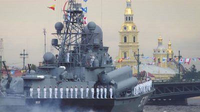 Russland hält Militärmanöver mit 20 Kriegsschiffen im Schwarzen Meer ab