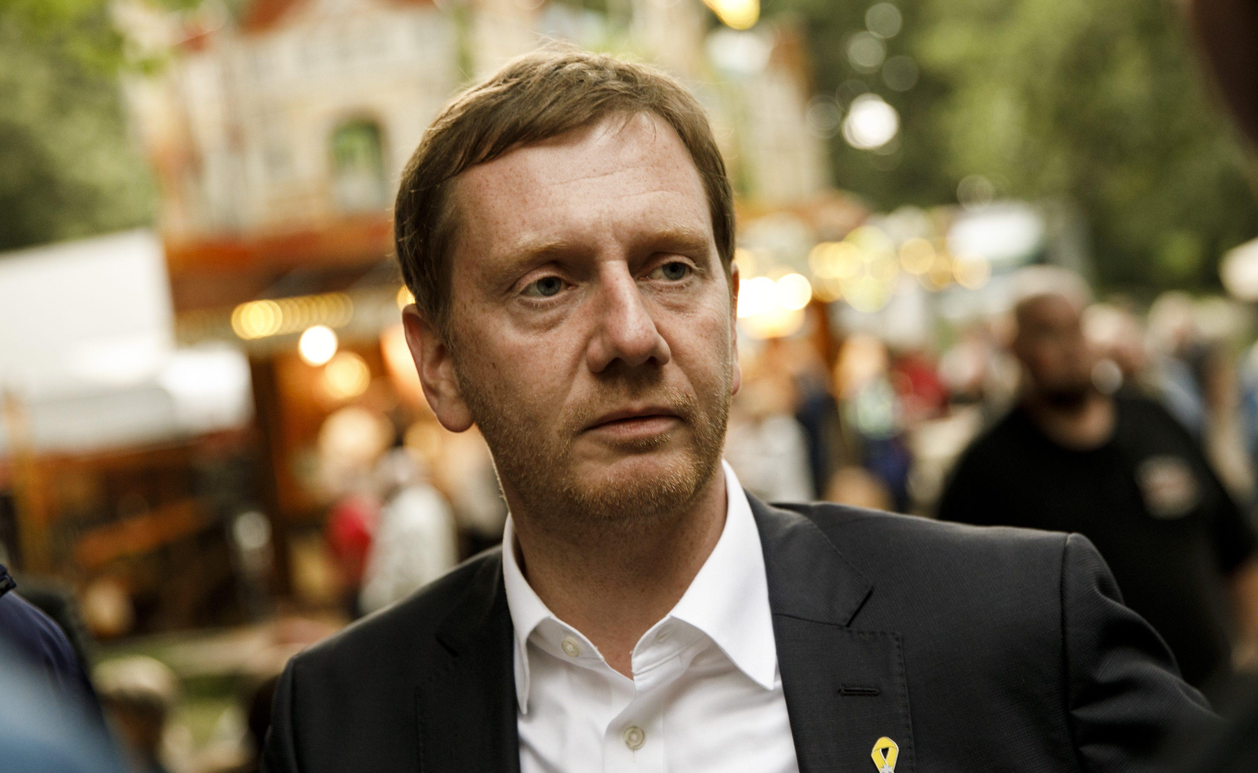Mehrere Politiker verstoßen gegen Corona-Auflagen – Kretschmer von Bürger angezeigt