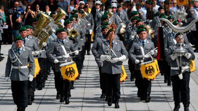 """Verabschiedung: Von der Leyen will """"Wind of Change"""" für großen Zapfenstreich"""