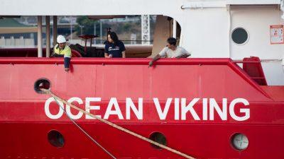 """Ocean Viking"" nimmt mehr als 180 Migranten an Bord"