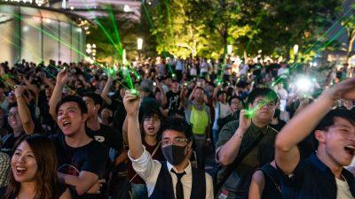 Demonstranten in Hongkong verwandeln Protest in Lasershow