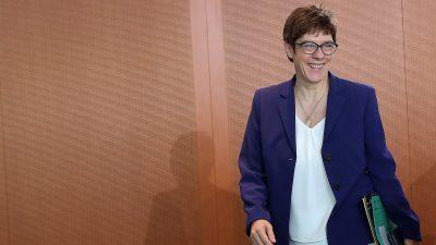 Bundesverteidigungsministerin Kramp-Karrenbauer in Jordanien