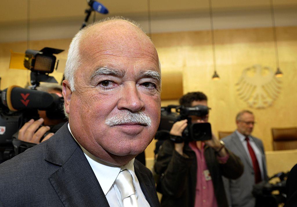 Gauweiler droht mit neuer Verfassungsbeschwerde gegen Bundesregierung