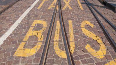 Busspuren für E-Fahrzeuge? FDP kritisiert Scheuers Reformpläne für  Straßenverkehrsordnung