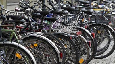 Kein Klimaschutz am Bahnhof? Hunderttausende Fahrrad-Stellplätze fehlen