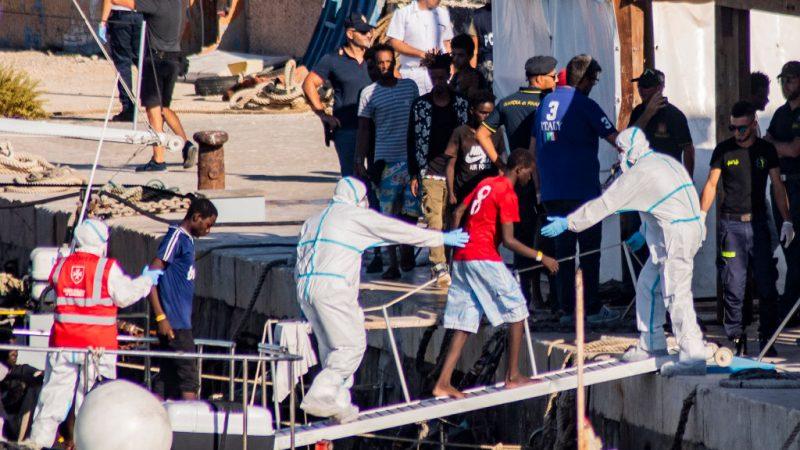 Mehr als tausend Migranten erreichen italienische Insel Lampedusa