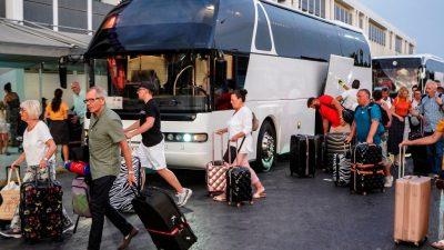 Deutschland-Chefin von Thomas Cook holt 140.000 Urlauber zurück