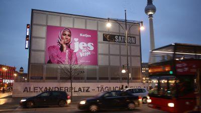 """Nach Hidschab-Gate: Katjes sorgt in Wien mit vermeintlichem """"Oben-ohne-Plakat"""" für Aufsehen"""