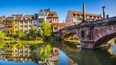 Nürnberg: Flaschenschläger und Messerstecher in einem Haus – Vier Verletzte – Mädchen (10) erleidet Messerwunde