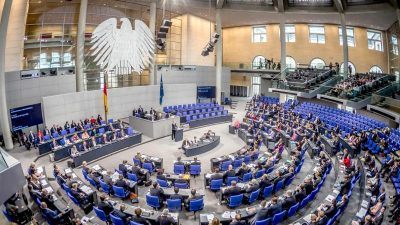 LIVE im Bundestag: Aktuelle Stunde zur Neutralität im öffentlich-rechtlichen Rundfunk