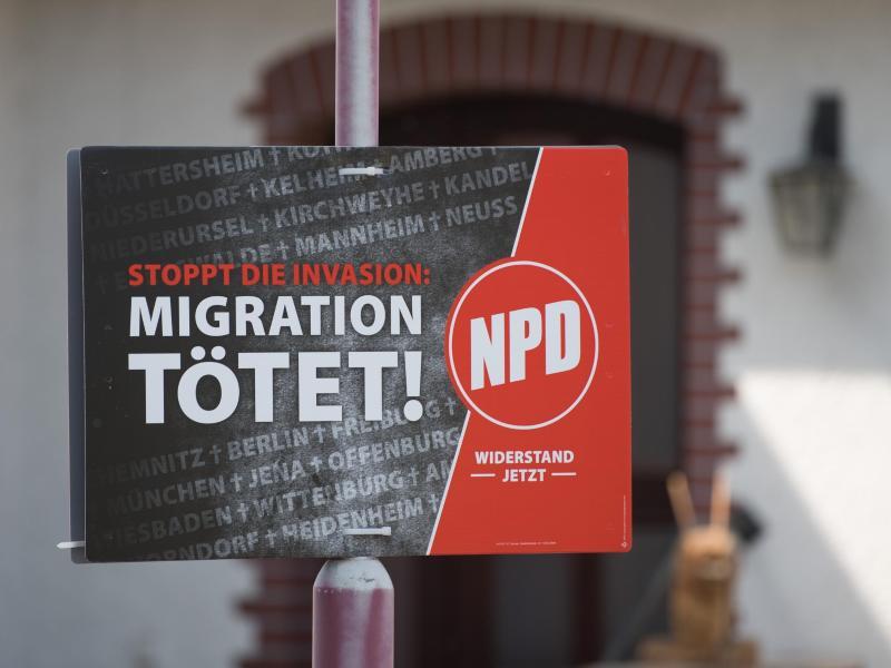 """Richter schätzt NPD-Slogan """"Migration tötet"""" als realistisch und historisch belegt ein"""