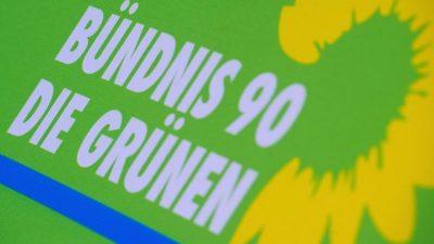 """Grüne feiern 40 Jahre Gründung: """"Nie wieder Deutschland""""-Partei in Deutschland akzeptiert wie nie"""
