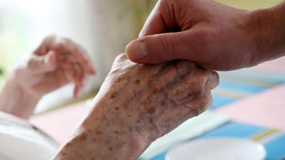 Kostenbeteiligung bei der Pflege in Heimen ist besonders im Osten gestiegen