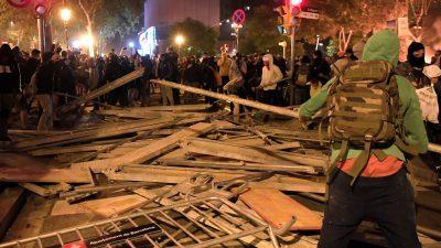 Dritter Tag in Folge: Schwere Ausschreitungen in Barcelona