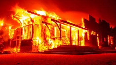 USA: Kaliforniens Waldbrände wegen heftiger Winde noch größtenteils außer Kontrolle