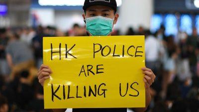 Angebliche Selbstmorde: Junge Demonstrantin nackt und zerstückelt vom Hochhaus geworfen