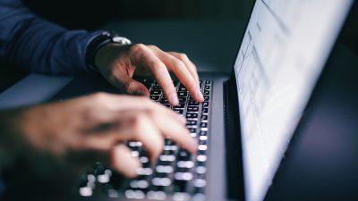 Hackerangriffe mit islamistischen Botschaften auf dutzenden französischen Websites