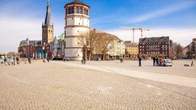 Düsseldorfer Altstadt: Frauen belästigt – Helfer mit Messer niedergestochen – Geflüchteter Syrer festgenommen