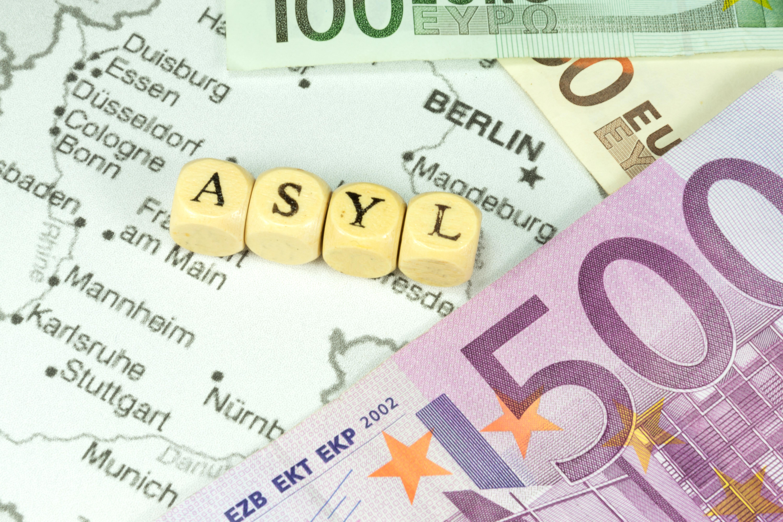 Millionen für Flüchtlingsräte – Anti-Abschiebe-Industrie mit Steuergeldern finanziert