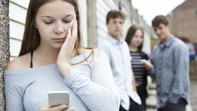 Studie: Eltern unterschätzen Gefahr von Cyber-Mobbing