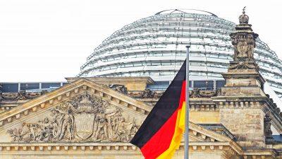 OECD-Studie: Deutsche Arbeitnehmer zahlen Steuern und Abgaben auf Spitzenniveau