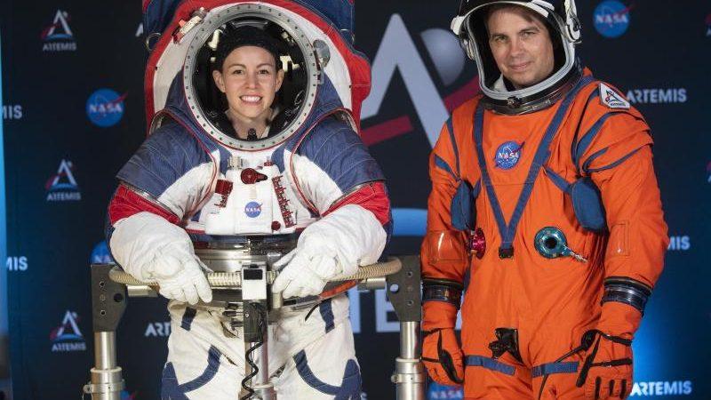 NASA stellt neue Raumanzüge für Astronauten vor.
