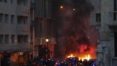 """Wahre Schlacht"" in Katalonien: Linksradikale Antifa wütet in Barcelona"