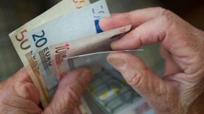 Sparen fürs Alter: Den jetzigen Lebensstandard im Rentenalter halten