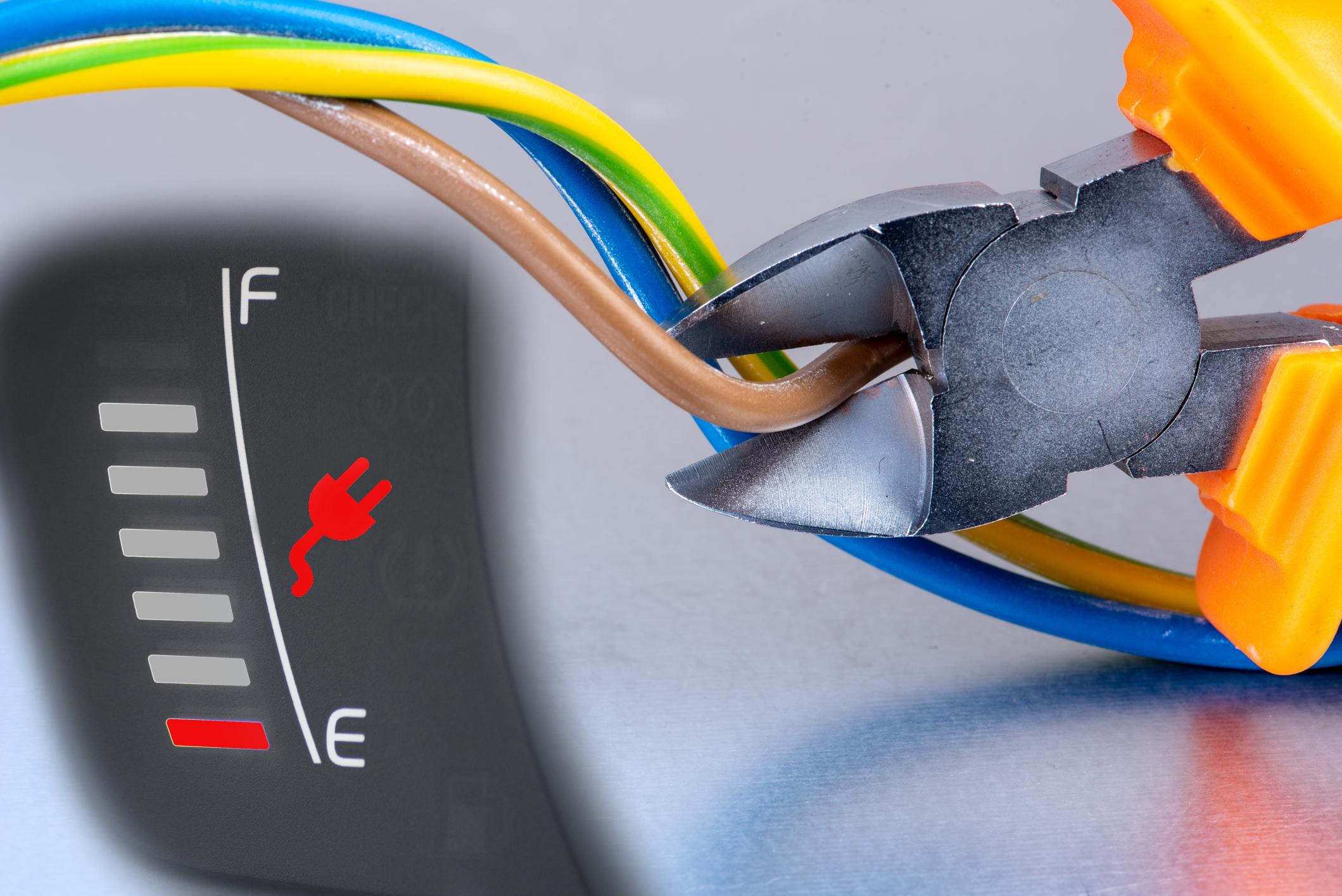 """Ab 2021: """"Sie laden ab sofort mit reduzierter Stromstärke"""" – Strom-Rationierung für private E-Autos?"""