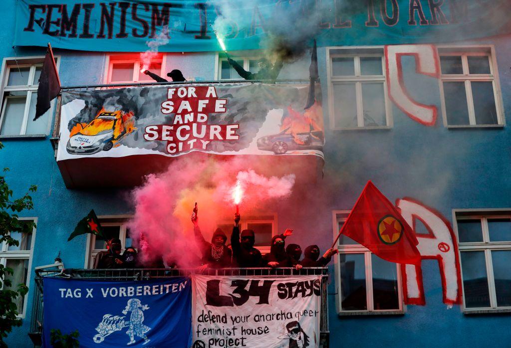 """Nach Demo für """"Rigaer 94"""": Neun Verfahren wegen Landfriedensbruchs, tätlichen Angriffs, Widerstands"""