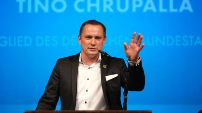 """AfD-Chef Chrupalla: """"Altpartei"""" ist kein Schimpfwort – Interview mit dem """"Phönix"""" (Video)"""