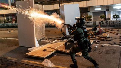 Student in Hongkong nach Sturz bei Protesten gestorben