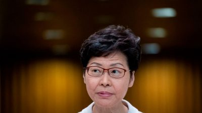 """""""Haufen Bargeld"""": Hongkongs Regierungchefin hat wegen US-Sanktionen kein Bankkonto"""