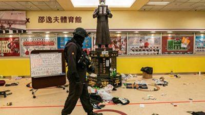 Hongkong: Polizei stürmt Polytechnische Universität