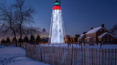 Weihnachten unterm Leuchtturm: Adventszeit und Winterfest auf Long Island, New York