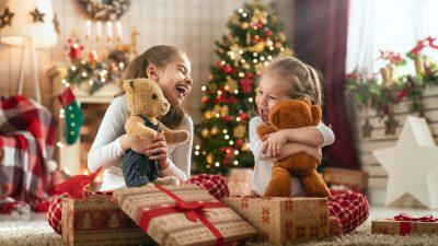 6.000 Geschenk-Söckchen für kranke Kinder: Lenzkirch wird zur Weihnachtswichtelwerkstatt