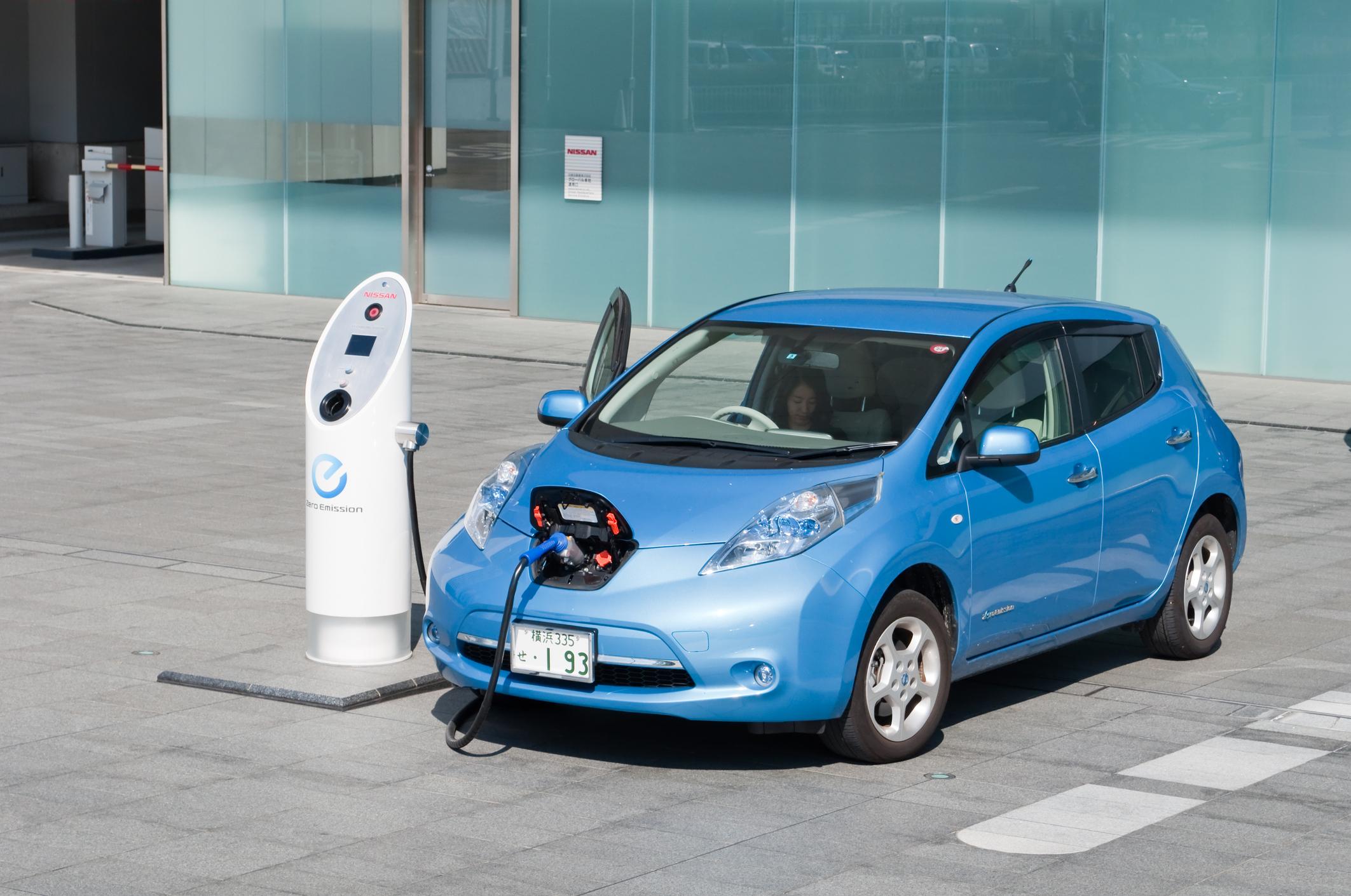 E-Autos: Viele Deutsche erwarten Reichweiten von mindestens 450 Kilometern