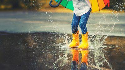 """Australien: Bauern feiern ersten Regen seit acht Jahren mit ausgelassenen """"Regentänzen"""""""
