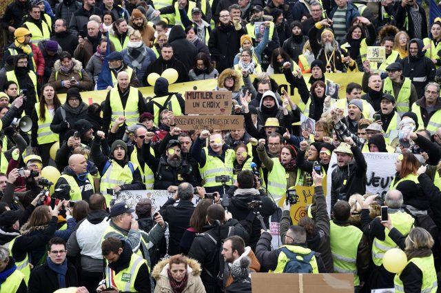 Streiks in Frankreich gehen weiter: Lehrer, Juristen und öffentlicher Dienst stellen Arbeit ein
